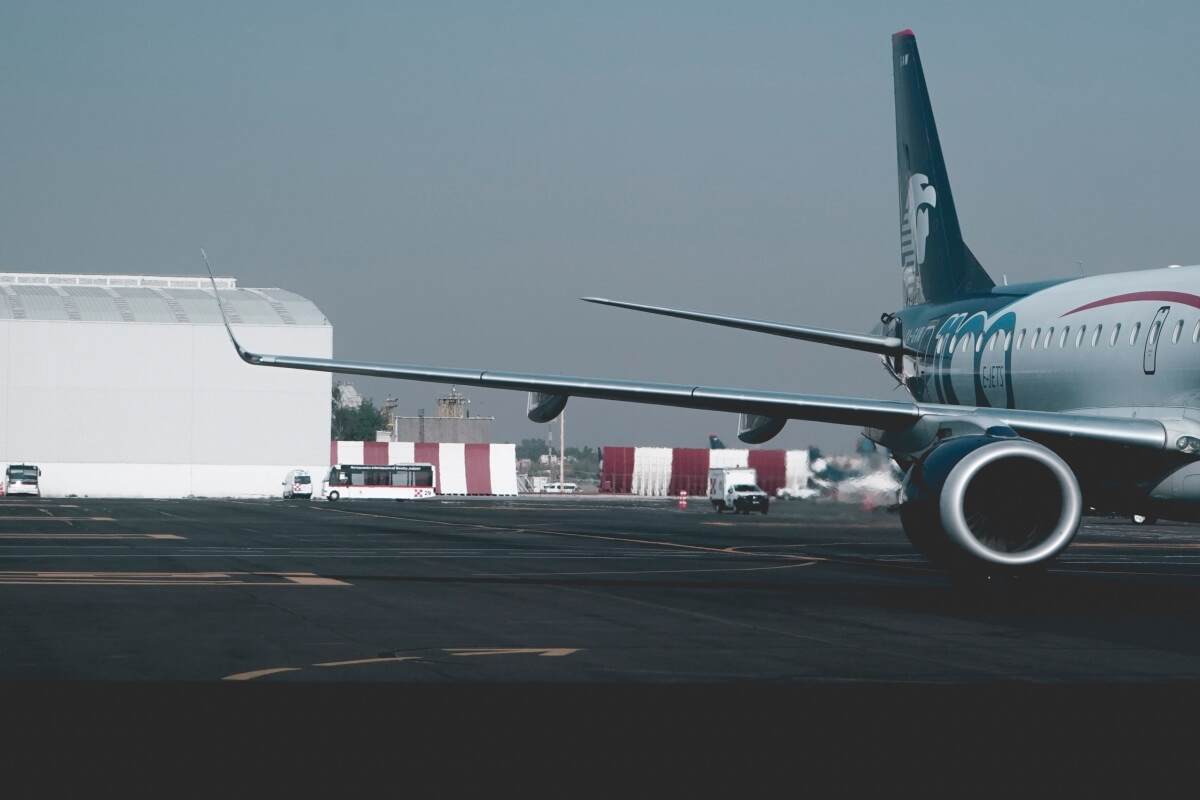 Side view of Aeromexico airplane.