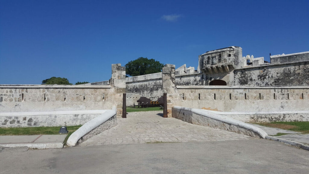 Entrance of one of Campeche City's ex-fortresses.