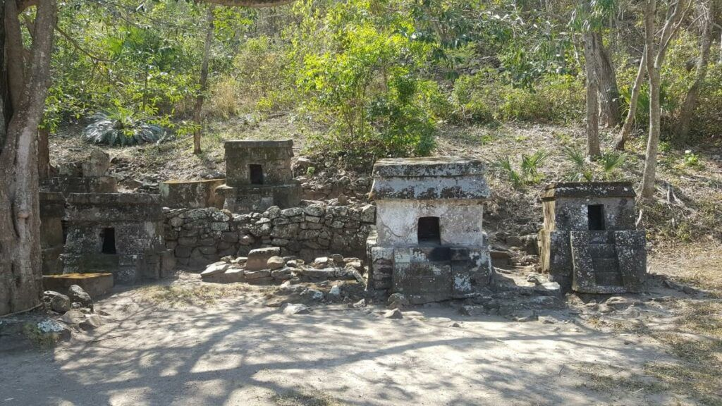 A group of pre'Colombian tombs.