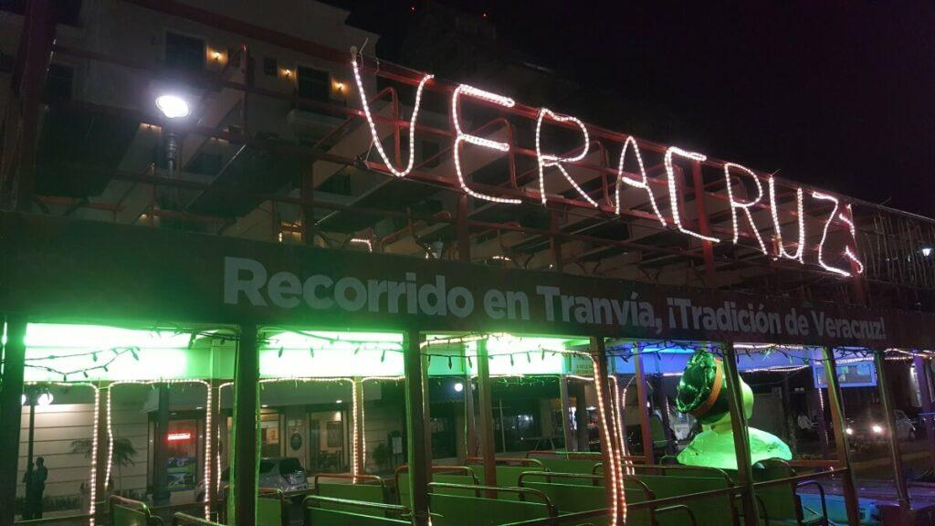 A trolley with the words Veracruz on it.