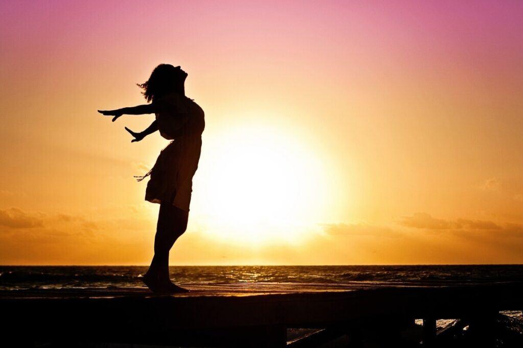 A woman looking at the horizon.